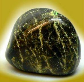 камень диопсид фото